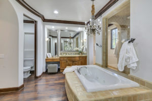 mansion-master-bath